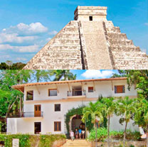 Chichen Itza Overnight