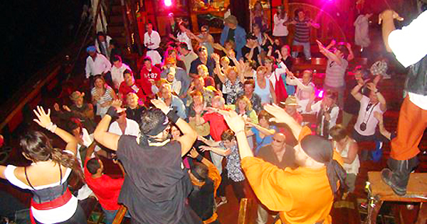 Jolly Roger Pirate Show In Cancun - Pirate ship booze cruise