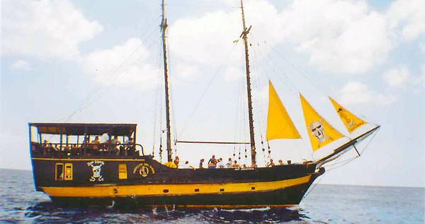 Pirate Ship Snorkeling Tour Cozumel Mexico - Pirate ship booze cruise